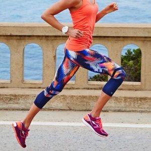 Athleta Lava Sonar Capri Workout Active Leggings